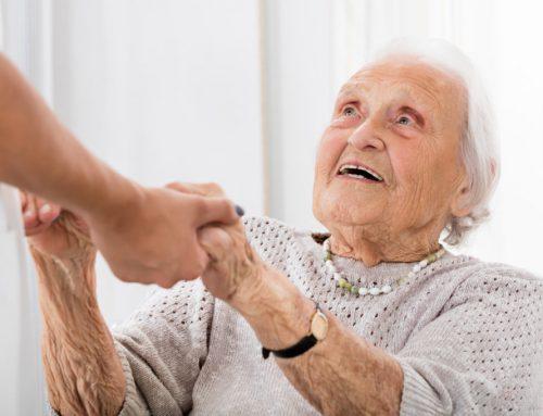 Guida pratica per chi si prende cura di anziani nell'emergenza Covid 19